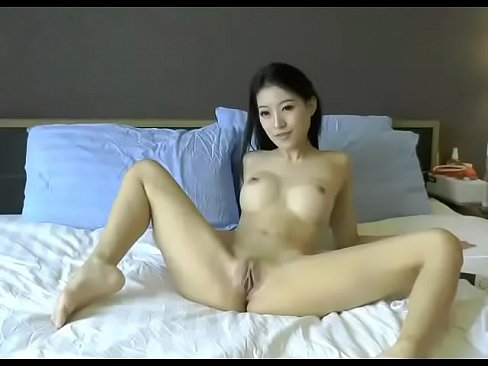 mature amateur srtap on porn