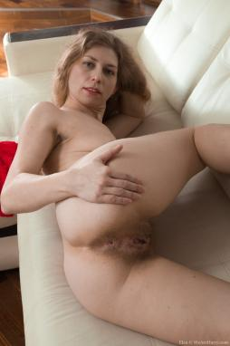 submissive milf eating pussy