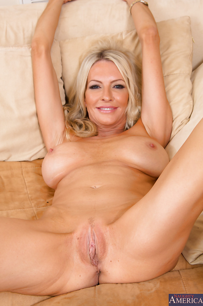 Naked hot blond Pics of